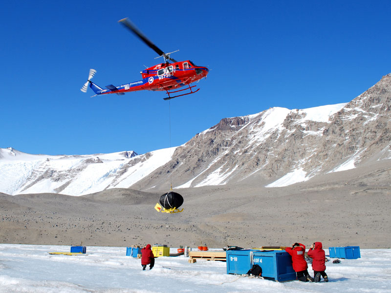 ENDURANCE vehicle arrives at Lake Bonney, Antarctica