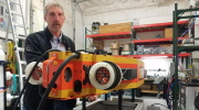 Bill Stone shows off SUNFISH AUV in Austin lab
